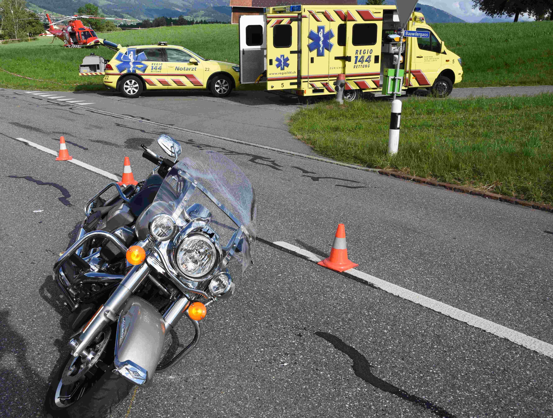 Motorradfahrerinnen kennenlernen